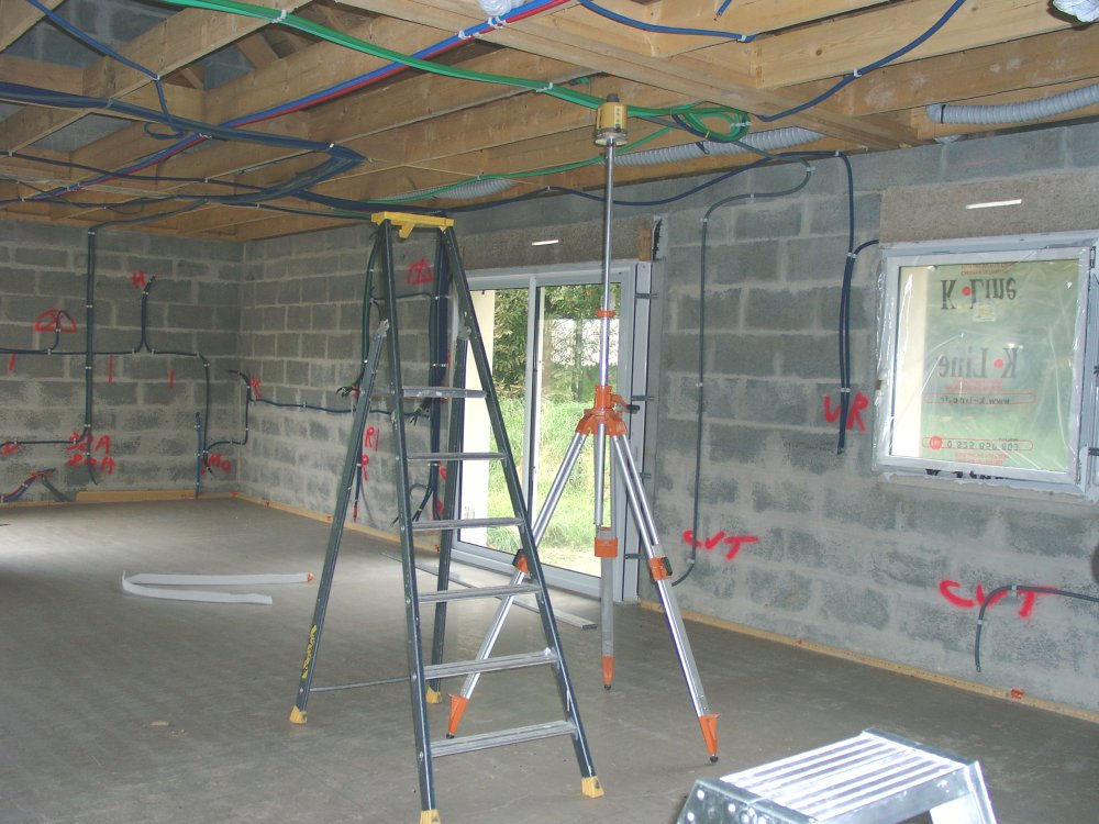 Leplafond laconstructiondenotremaison for Niveau laser pour plafond